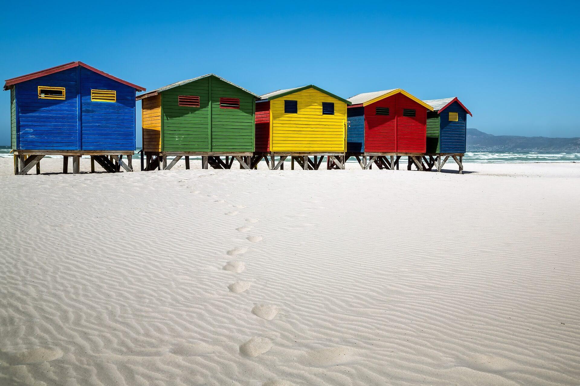 海辺の家までほ足跡